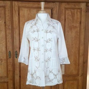 Parsley & Sage embroidered 3/4 Sleeve Shirt
